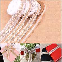 Rollo de cinta de arpillera de yute natural Worldwell con encaje blanco para regalo de boda fiesta y decoración del hogar