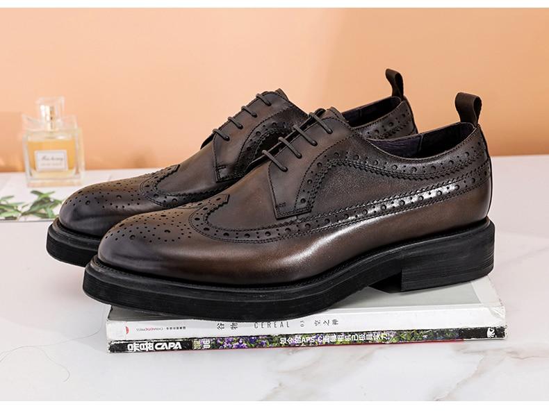 Brogue en cuir de vache véritable pour homme chaussures plates etdécontractées marque de luxe Oxford pour mariage et affaires printemps2021