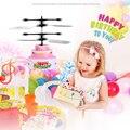 Летающий торт RC игрушки перезаряжаемый светильник Дрон инфракрасная индукция для детей YH-17