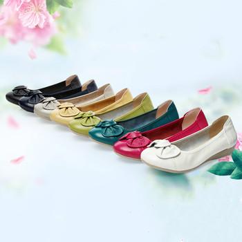 Buty damskie buty dla matek letnie skórzane miękkie dno w średnim wieku płaskie buty damskie klasyczne buty kobiece tanie i dobre opinie Sirgeras Prawdziwej skóry Skóra bydlęca Połowy łydki Poliuretan Mikrofibra Pasuje prawda na wymiar weź swój normalny rozmiar