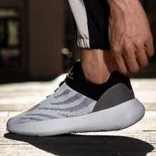 2020 Hot Sale Men Sport Shoes Breathable Sneaker Running