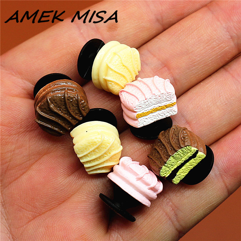 Single Sale 1pcs Simulation Tiramisu Shoe Charm Cute Shoe Buckles Accessories Sandal Decorations Fit Croc JIBZ Kid's Party Gifts