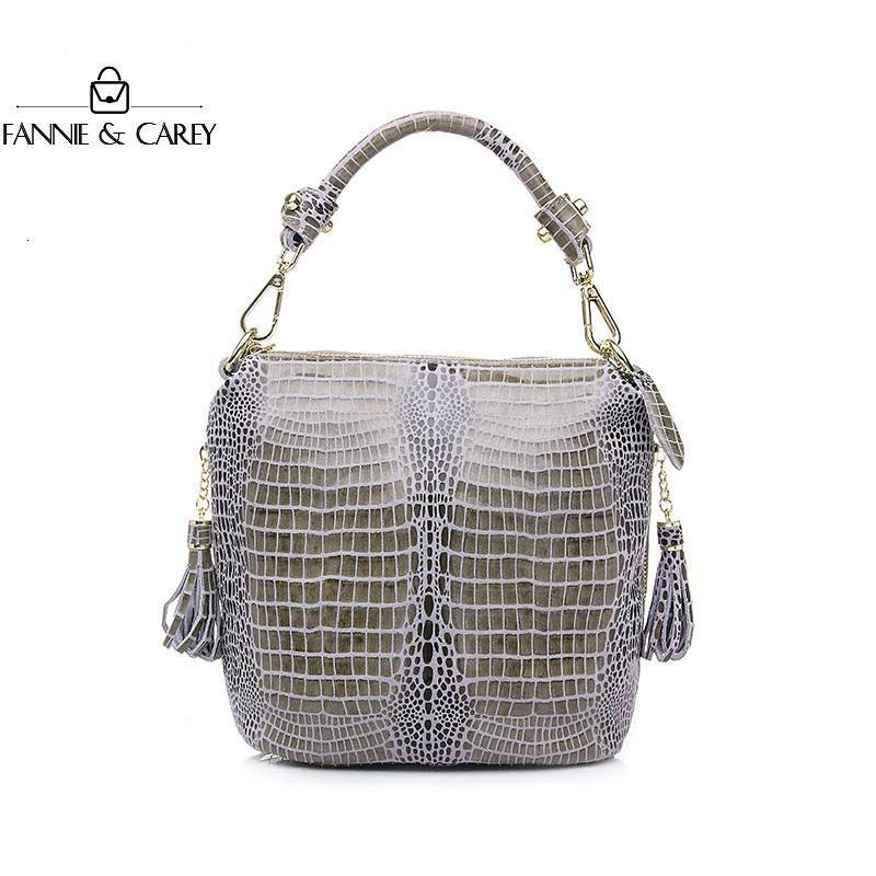 2020 New Genuine Leather Women Bags Fashion Bucket Handbag Quality Designer Solid Color Crossbody Bag With Tassel Lady