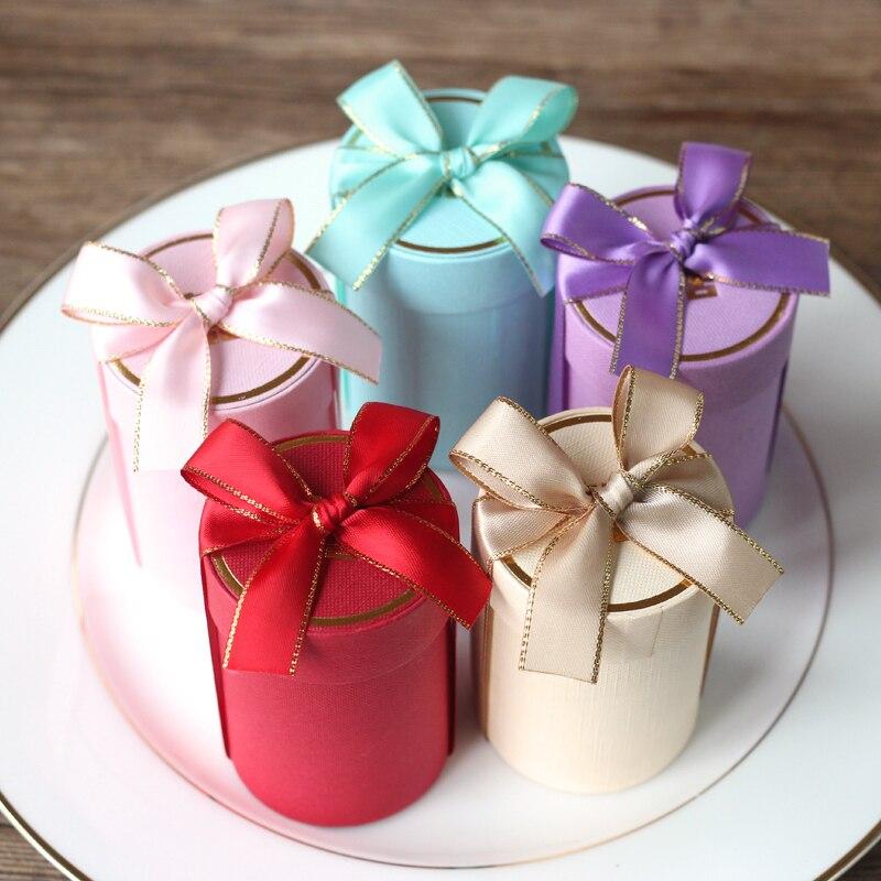 Boîtes à bonbons de cylindre créatif faveurs de fête de mariage et boîtes de papier de boîte-cadeau pour emballer des sacs-cadeaux pour la décoration de mariage