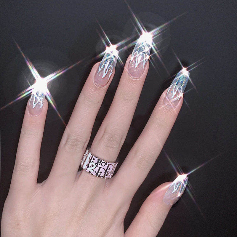 24pcs/set Fashion Laser Glitter False Nails Middle Long Silver Fire Pattern Full Nail Art Tips Girl Nail Accessories Fake Nails