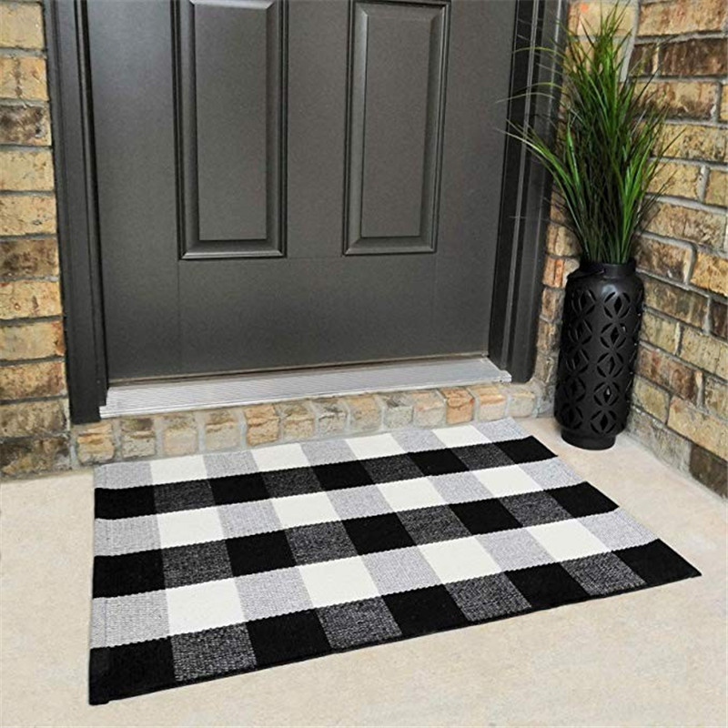 Cotton Buffalo Plaid Check Rug 60*130cm Washable Woven Outdoor Rugs for Layered Door Mats Porch/Kitchen/ Black and White Plaid image