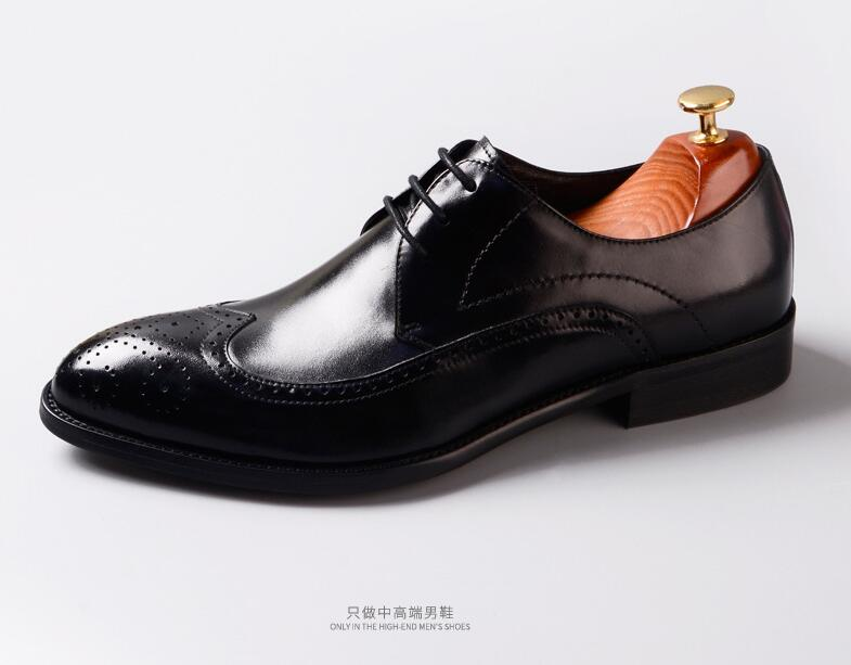 British Style Engraved Business Casual Genuine Leather Shoes Men Oxfords Dress Wedding Shoes Male Breathable Pointed Flats
