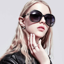 2019 new fashion black big box sunglasses womens brand hollow four-leaf clover inlaid sun glasses ladies PINK red UV400