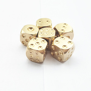 1Pcs Brass Dice Solid Metal Polyhedral Club Bar Supplies Mahjong Chess Dice Playing Game Tool Gold