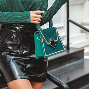 Image 3 - Elegantปักผู้หญิงกระเป๋าสะพายสำนักงานLady Retroหนังกระเป๋าถือหญิงฤดูใบไม้ร่วงเก๋เรขาคณิตกระเป๋า