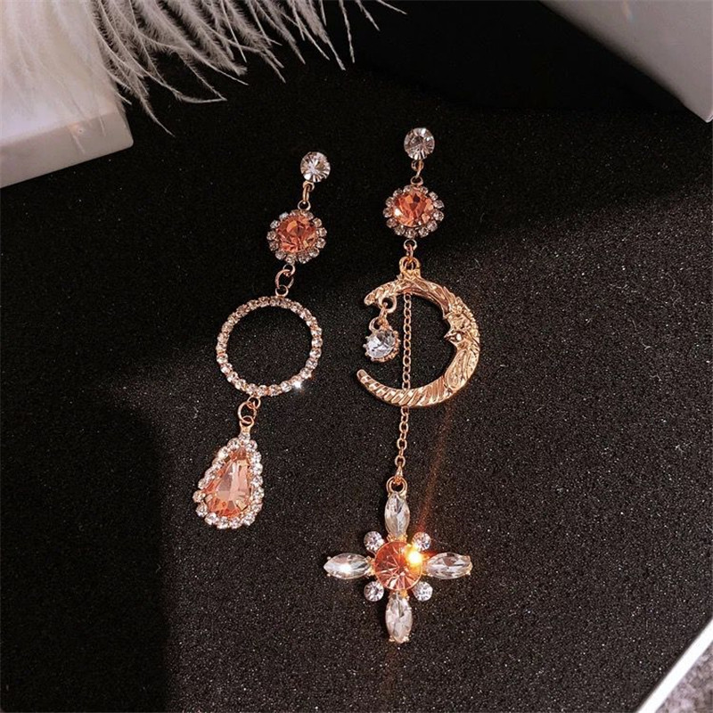 2019 New Arrival Zinc Alloy Vintage Water Drop Women Dangle Earring Korean Baroque Moon Circular Crystal Fashion Jewelry
