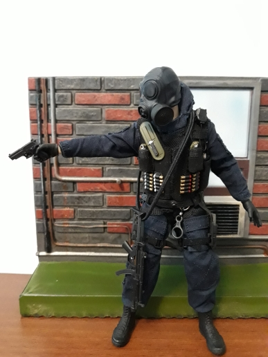 figure doll Collection 1 12 Scale Anti Terrorist Brigade Assaulter Breakman Full Set Action Figure British Special Air Force in Action Toy Figures from Toys Hobbies