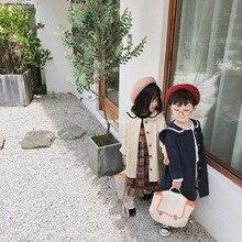 Длинный Тренч в Корейском стиле с матросским воротником для мальчиков и девочек осеннее детское однотонное Свободное длинное пальто Верхняя одежда для детей от 1 до 6 лет