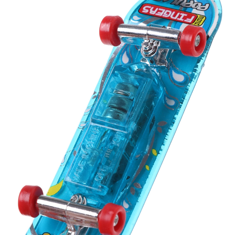 2pcs LED Mini Skateboard Finger Board Tech Deck Kids Toy Gifts Baby Toy Q6PD