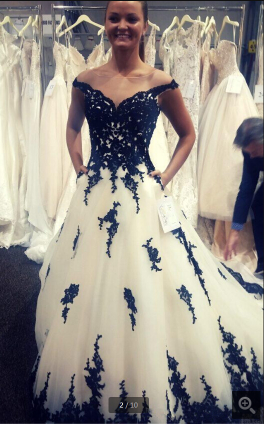 2020 Black and White A-line Gothic Wedding Dress beaded modest with cap sleeve jewel neckline bridal gowns vintage wedding