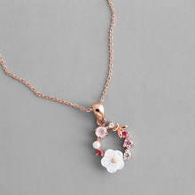 Fashion Creative Butterfly Flowers Necklace Zircon Crystal Pearl Shell Garland Pendant for Women Jewelry Accessories