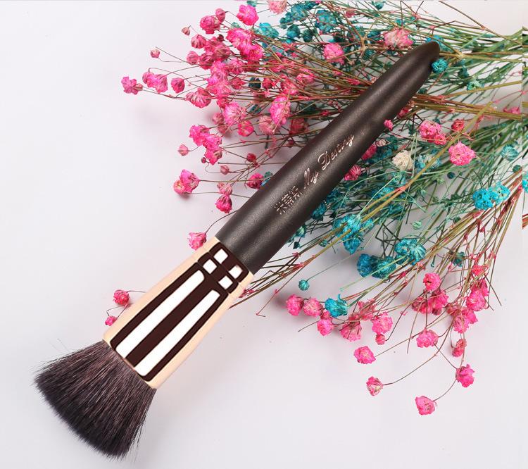 1 piece Goat hair Flat Foundation Makeup brushes Powder Foundation Liquid Base cream Make up brush beauty tools My destiny 003