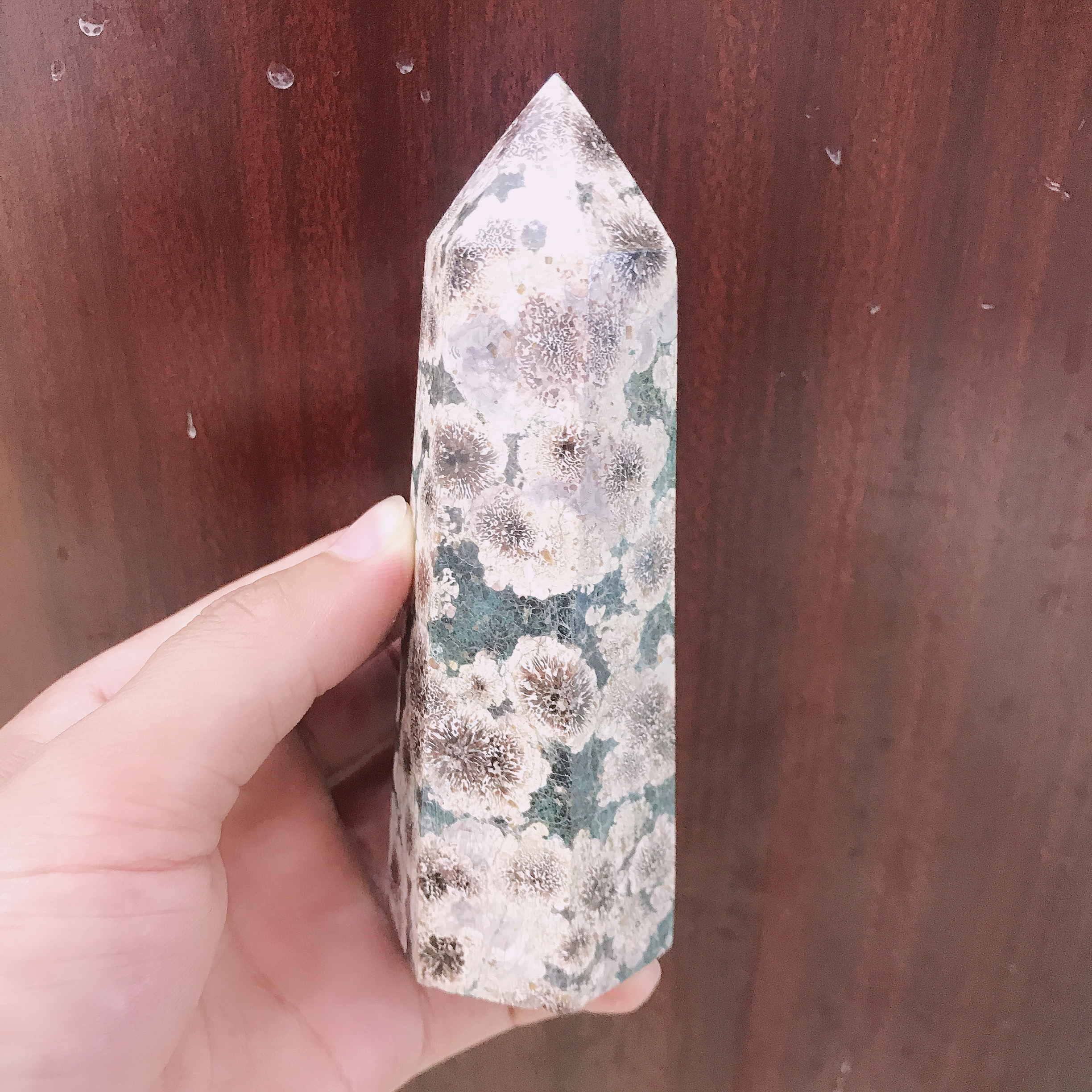 Natural green quartz crystal cherry agate ball energy tower reiki stone living room decoration home office