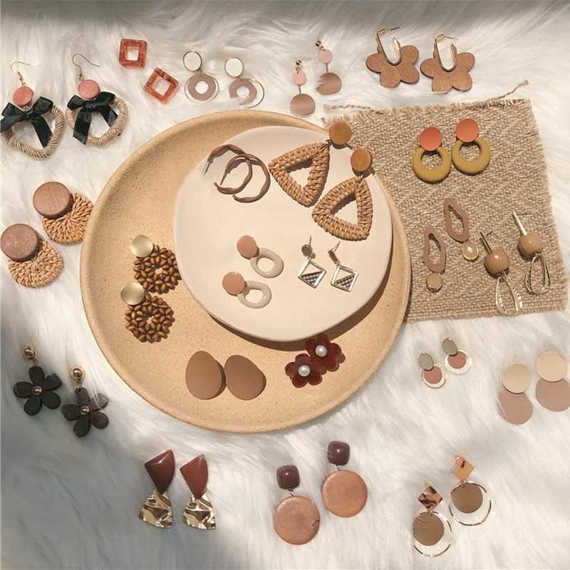Fashion Brown Literary Stud Earrings Fresh Trends Sweet Girl Acetate Acrylic Plush Round Geometry Pendientes Coffee Earrings