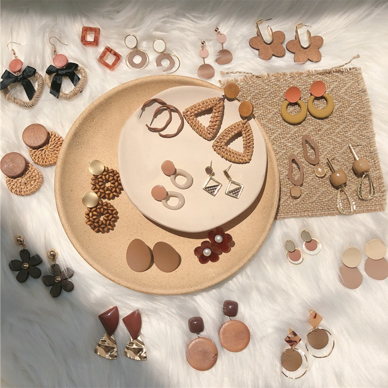 Fashion Brown Literary Stud Earrings Fresh Trends Sweet Girl Acetate Acrylic Plush Round Geometry Pendientes Coffee Earrings