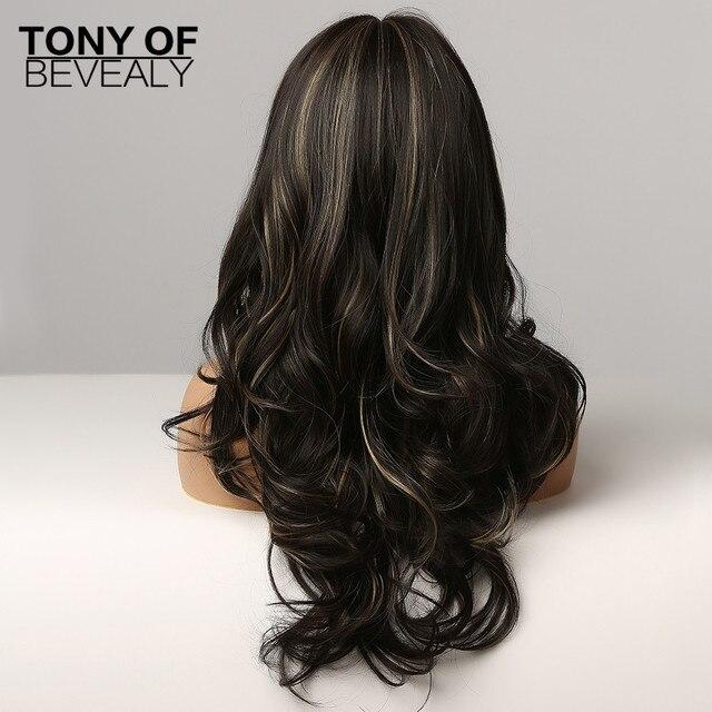 Perruques marron foncé ondulées longues avec reflets blonds perruques synthétiques résistantes à la chaleur pour les femmes avec frange Cosplay perruques de cheveux naturels