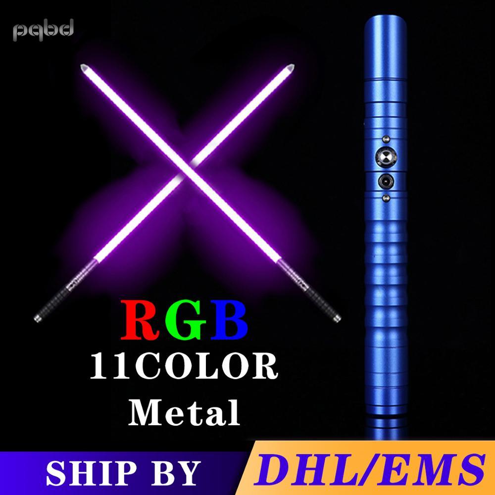 Pqbd sabre de luz rgb alça de metal pesado duelagem cor mudança ajuste de volume força soundfons foc blaster led brinquedo luz