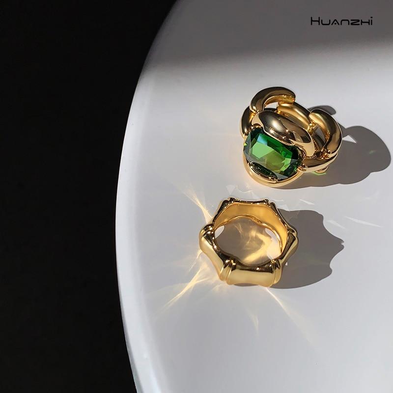 HUANZHI 2020 Retro Metal Geometric Zircon Slub Rings Personality Circle Open Rings For Women Girls Party Jewelry