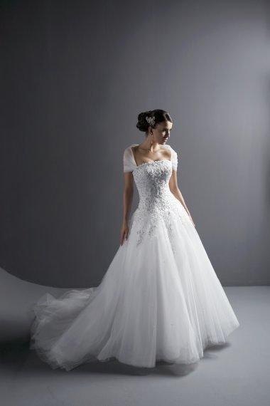 Elegant Tulle Lace Appliques Cap Sleeve A-line Strapless Handmade Flower Peals Flirty 2018 Wedding Dresses Bridal Gown