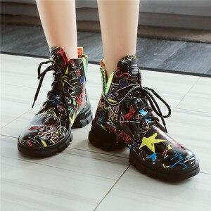 Image 4 - FEDONAS الكلاسيكية البروغ حذاء أيرلندي أحذية طويلة النادي الليلي الأحذية امرأة جلد طبيعي عالية الكعب النساء حذاء برقبة للركبة فاسق دراجة نارية الأحذية