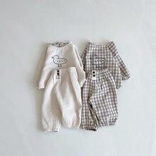 Yg marca roupas de bebê atacado 0-3y primavera e no outono nova bonito duckling jaqueta recém-nascido conjunto bebê algodão e linho calças conjunto