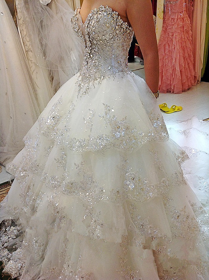 Image 5 - Luxurious Wedding Dresses Ball Gown Sweetheart Fluffy Lace Beaded Crystal Diamond Big Train Bridal Gowns 100% Real Photo QB11MWedding Dresses   -