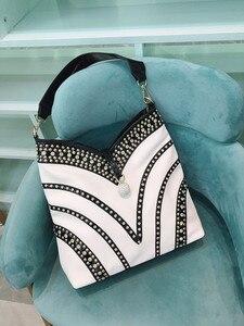 Image 3 - 2020 nouvelle mode diamant femmes sacs à main en cuir verni bandoulière sac à bandoulière strass grande capacité paquet sacs de messager
