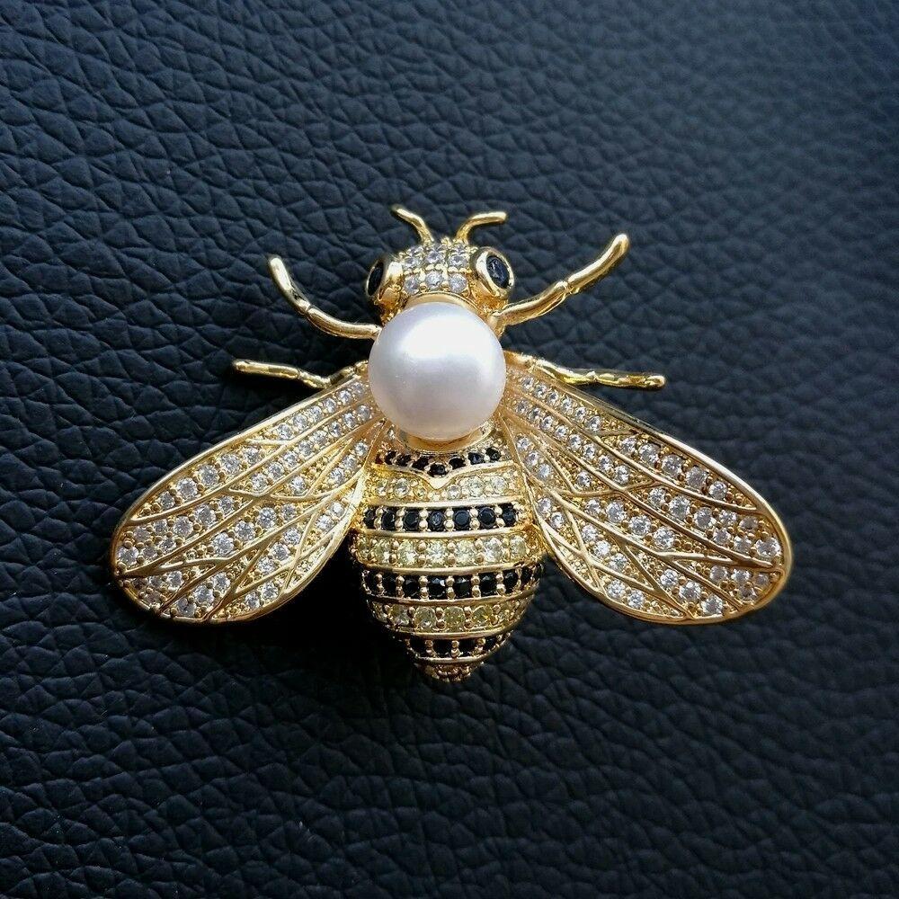 K102210 blanc perle deau douce zircon cubique micro pavé abeille broche animal broche pour les femmes de la mode