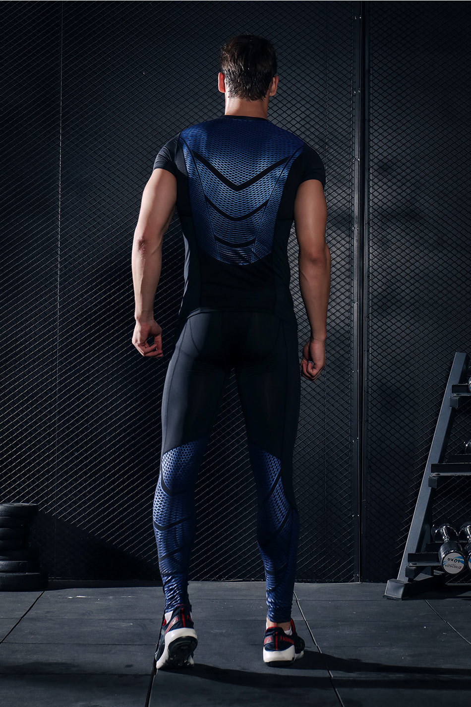 Foto from the back Men's compression t-shirt & pants for sport. 2 pieces Men's compression t-shirt & pants for sport