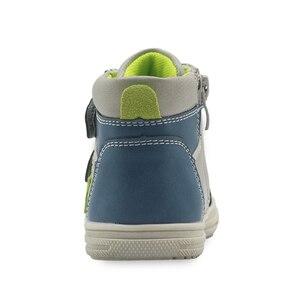 Image 2 - Обувь Apakowa для мальчиков, детская обувь из искусственной кожи на молнии, модные детские ботильоны с заплатками, демисезонные ботинки, европейские размеры 22 27