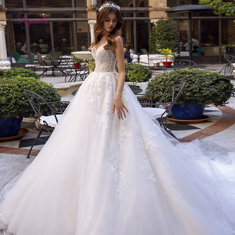 Liyuke 2019 Married Wedding Dress Ball Gown Scoop Neck Lace Appliques Beading Sequined Back Illusion Customized Royal Train