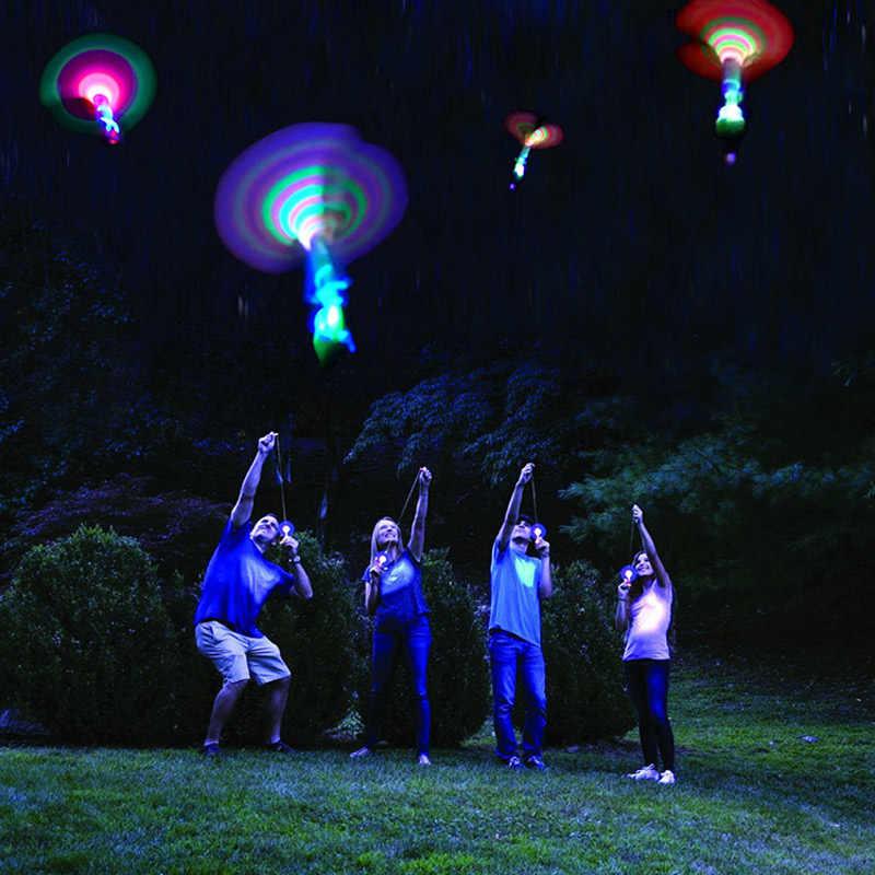 Bambu yusufçuk ışık çekim roket uçan paraşüt gökyüzü UFO açık gece oyunu çocuk için oyuncak ile çocuklar LED sapan