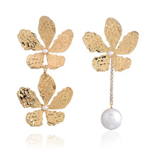 2020 Earings Oorbellen Pendientes European And American Fashion Jewelry Golden Flower Pendant Earrings Personality Long Pearl 2019 real time limited aretes tassel earrings oorbellen european and american christmas jewelry lovely for apple long ear