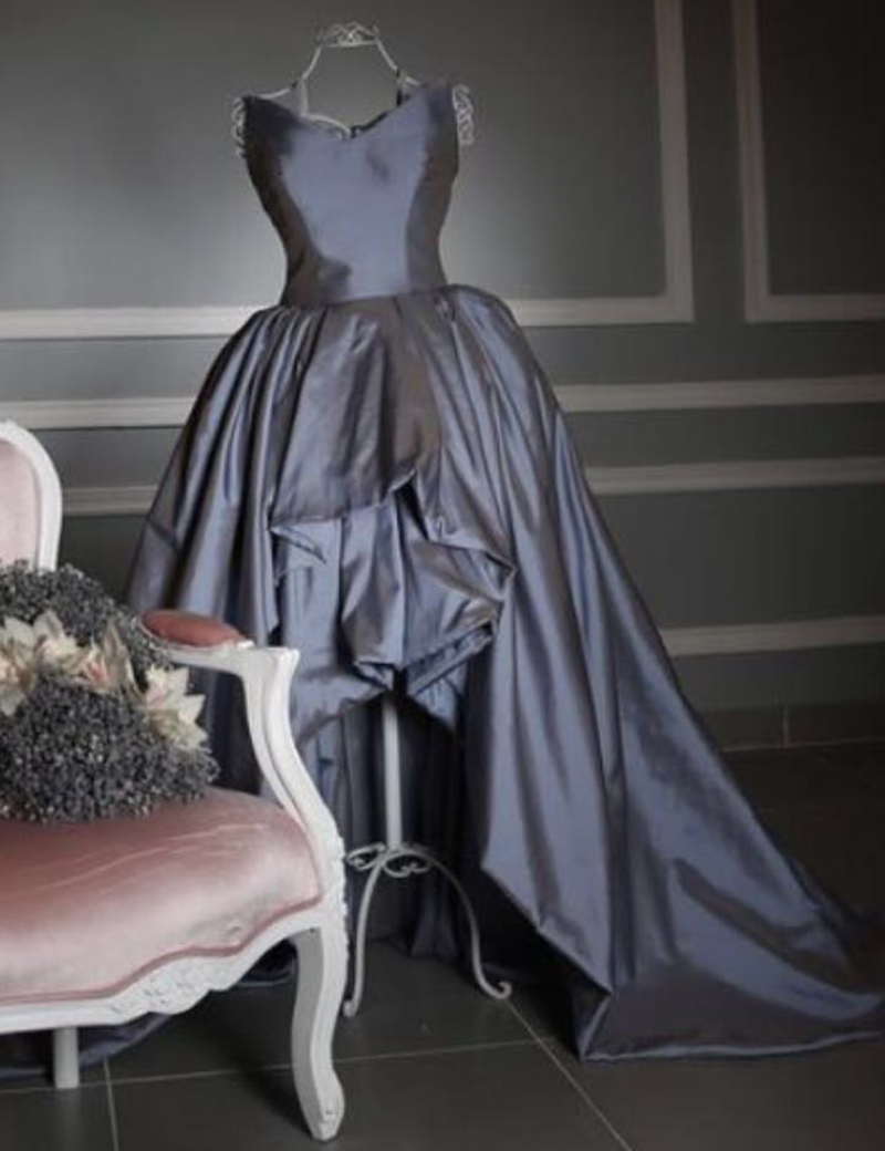 Saoudien Arbian asymétrique robe de bal avec col en V Sexy froncé plissé balayage Train Hi Lo taffetas tissu mère des robes de mariée