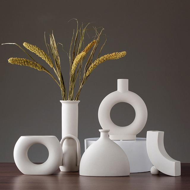 Europe White Porcelain Crafts Ceramic Vase Creative Small Flower Vase Ornaments Tabletop Vases Home Decoration Wedding Gifts 5