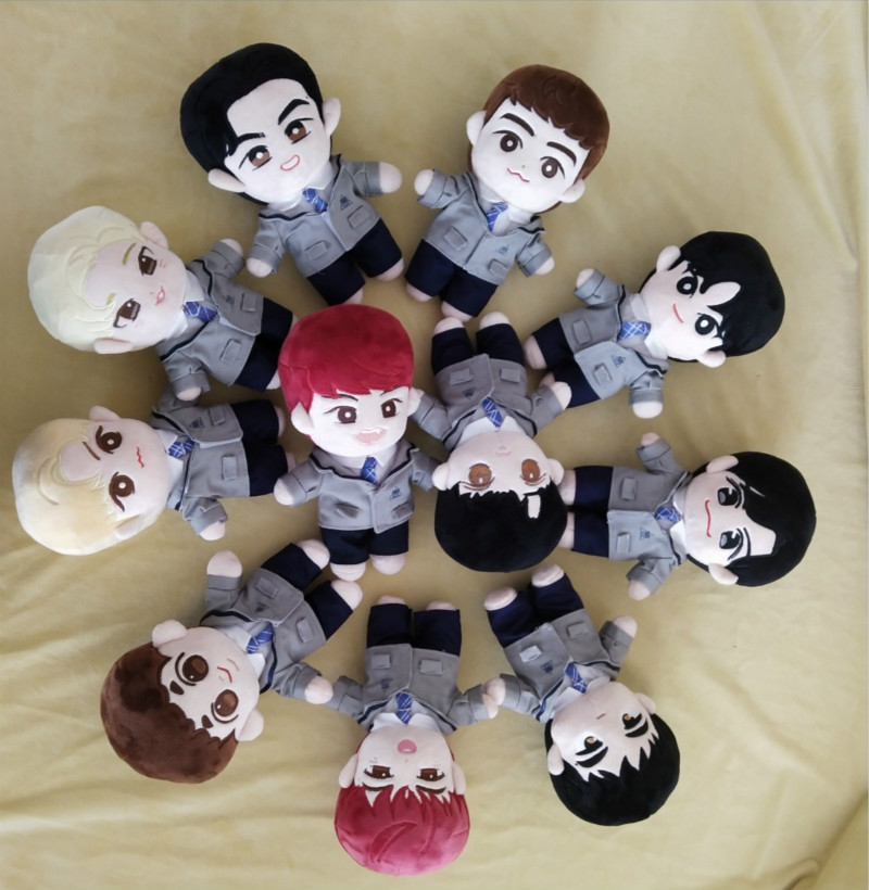 [MYKPOP]KPOP Dolls & Accessories: WANNA ONE 20cm Dolls In School Uniform KPOP Fans Collection SA19120805