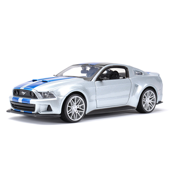 цена на Maisto 1:24 2014 Ford Mustang Street Racer Sports Car Static Simulation Diecast Alloy Model Car