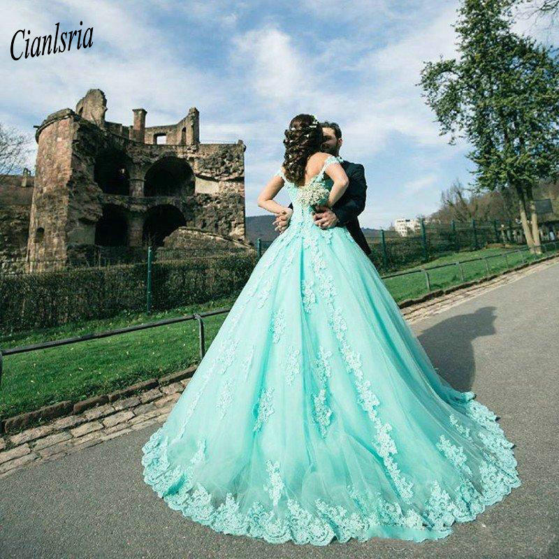 Newest Off The Shoulder Arabic Dubai Ball Gown Quinceanera Dresses Sleeveless Appliques Pearl Sweet 16 Dress Vestidos De 15 Anos