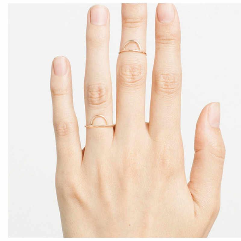 ที่ดีที่สุดขายแหวนแฟชั่นสแตนเลสเหมาะสำหรับสตรีสีชมพูทอง Hollow Medium แหวนเครื่องประดับแหวนเรขาคณิตเครื่องประดับ