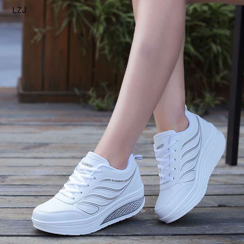 2019 Designer White Platform Sneakers Casual Shoes Women Tenis Feminino Women Wedges Shoes Footwear Basket Femme Trainers Women