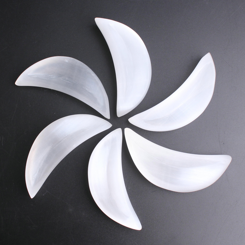 Vente en gros sélénite lune en forme d'amour aromathérapie conteneur lune gypse pierre Quartz cristal Yoga puissance Relaxation Reiki guérison