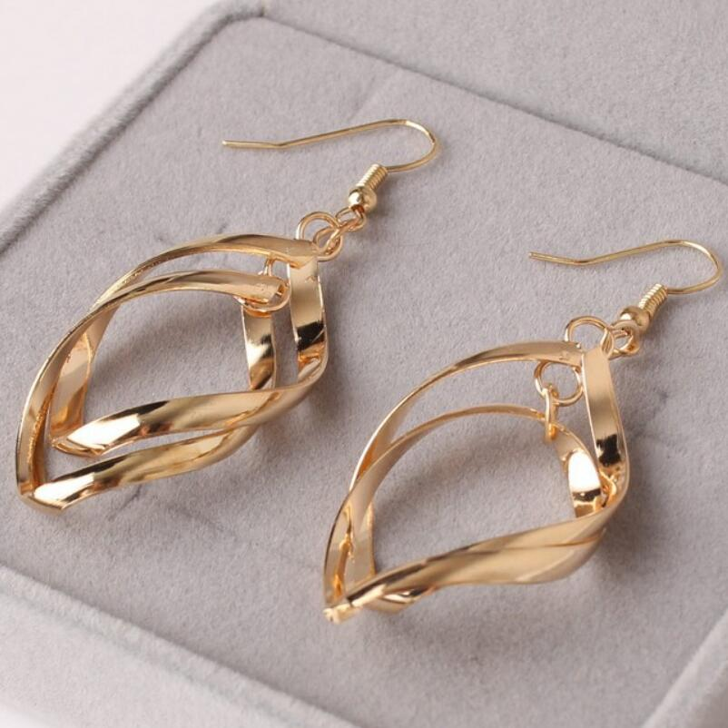 2019 Hot Punk Simple Design Metal Oval Hoop Earrings For Women men Fashion Jewelry Geometric Circle Brincos Party Ear Accessory