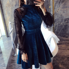 цена New Style Women Lace Velvet Dress Halter Deep Winter 2019 Autumn New lace dress long-sleeved black Casual velvet dress 728i