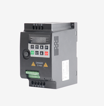 цена на Factory price electronic 0.75kw 50hz 60hz single phase frequency converter for ac motor