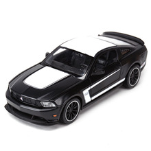 цена на Maisto 1/24 1:24 2012 Ford Mustang Boss 302 Sport Racing Car Vehicle Diecast Display Model Toy For Kids Boys Girls